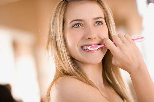Bọc răng sứ sử dụng bao lâu thì phải làm lại?