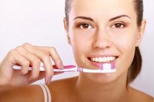 Cạo vôi răng có ảnh hưởng gì không?